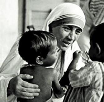 57d1f9e2e0d5515367936628_mother_teresa_with_children