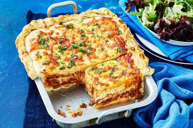lasagne-and-garlic-bread-bake-138114-2